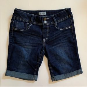 NWOT Mudd Denim Shorts